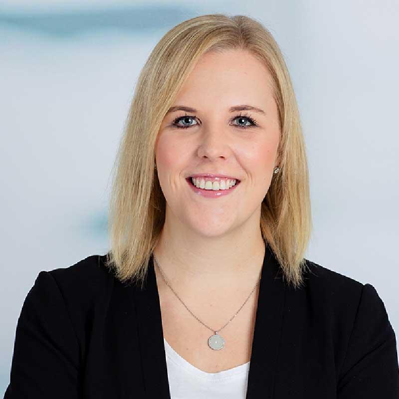 Frau Lara Dehmel
